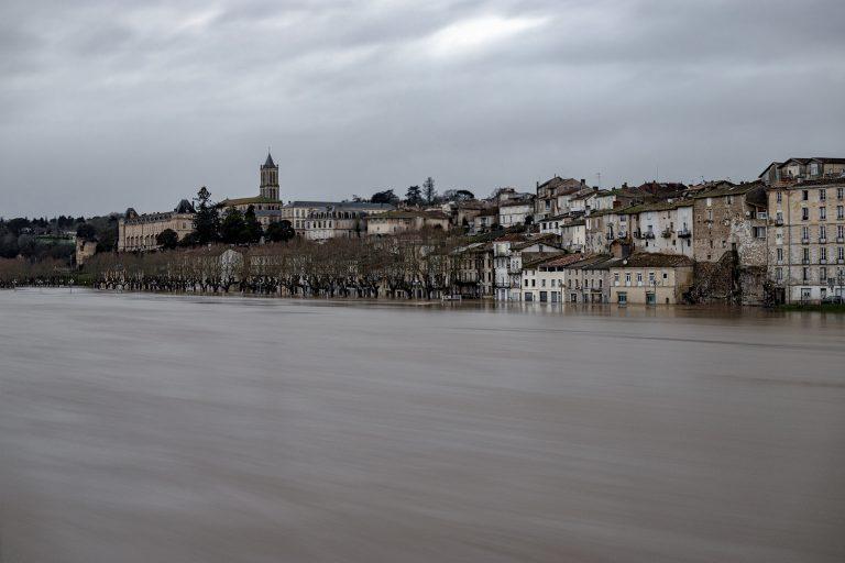 la réole inondation 02 2021 vigilance orange puis vigilance rouge face aux crues torrentielles suites aux eaux pluviales